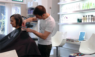 peignoir serviette salon coiffure coiffeur hygiène propre tms
